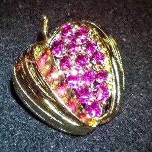 Jewelry - Vintage pink rhinestone apple brooch/pin